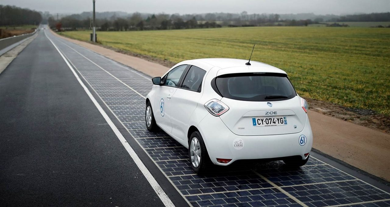 صورة فرنسا تدشن أول طريق ينتج الطاقة الشمسية في العالم