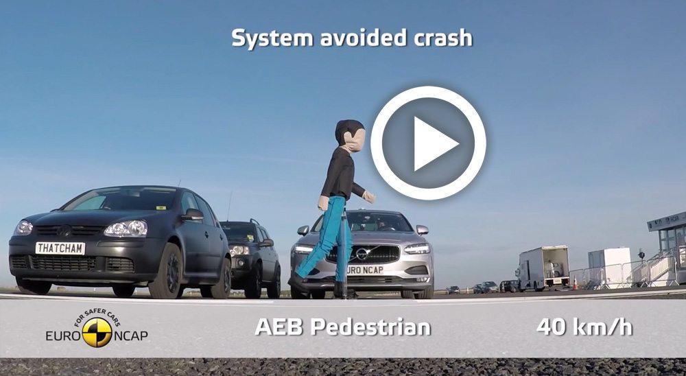 صورة فولفو S90 و V90 تحققان أعلى تقييم للاستخدام الذاتي للمكابح عند الطوارئ