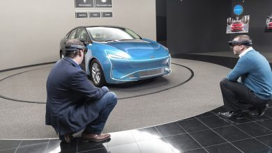 صورة فورد تستخدم تكنولوجيا جديدة من الواقع المختلط لتصميم السيارات