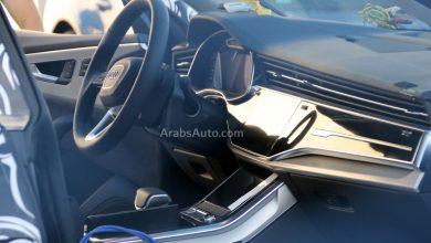 صورة أودي كيو 8 في مرحلة التجريب، ولوحة القيادة تبدو رائعة