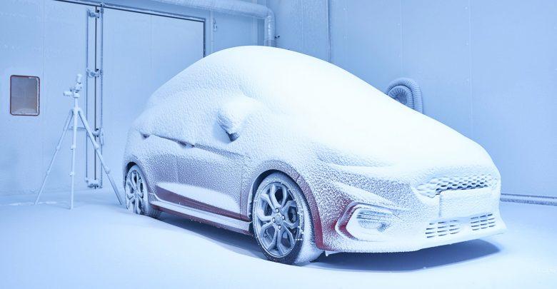 صورة تساقط الثلج في يوليو أو موجة من الحرّ الشديد في عيد الميلاد؟ معمل فورد للأحوال الجوية يُحاكي كافة الأجواء في أيّ وقت