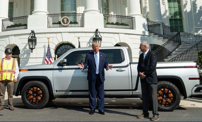صورة تقديم المركبة الكهربائية لوردستاون إنديورانس من البيت الأبيض!
